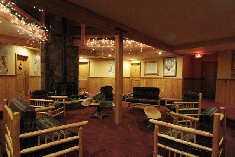 RainbowSuites-lounge