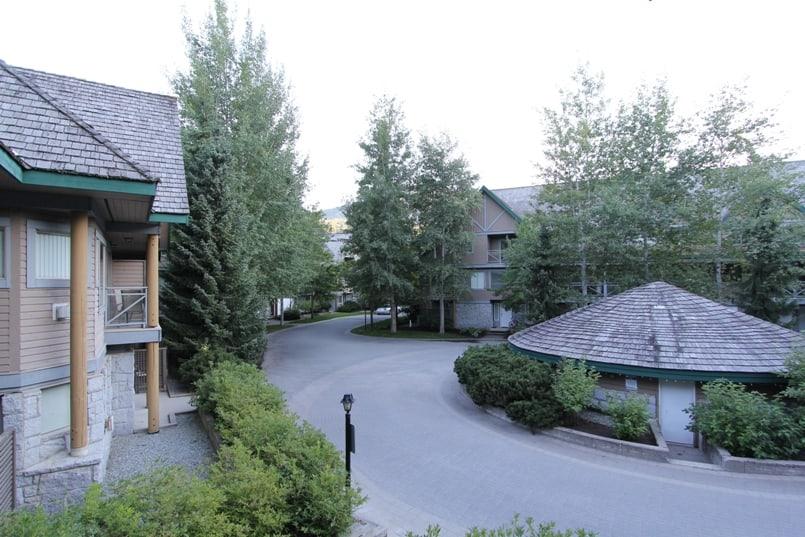 Valhalla-courtyard